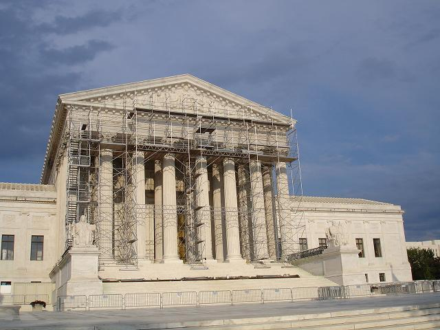 Supreme_court_with_scaffolding_1_1